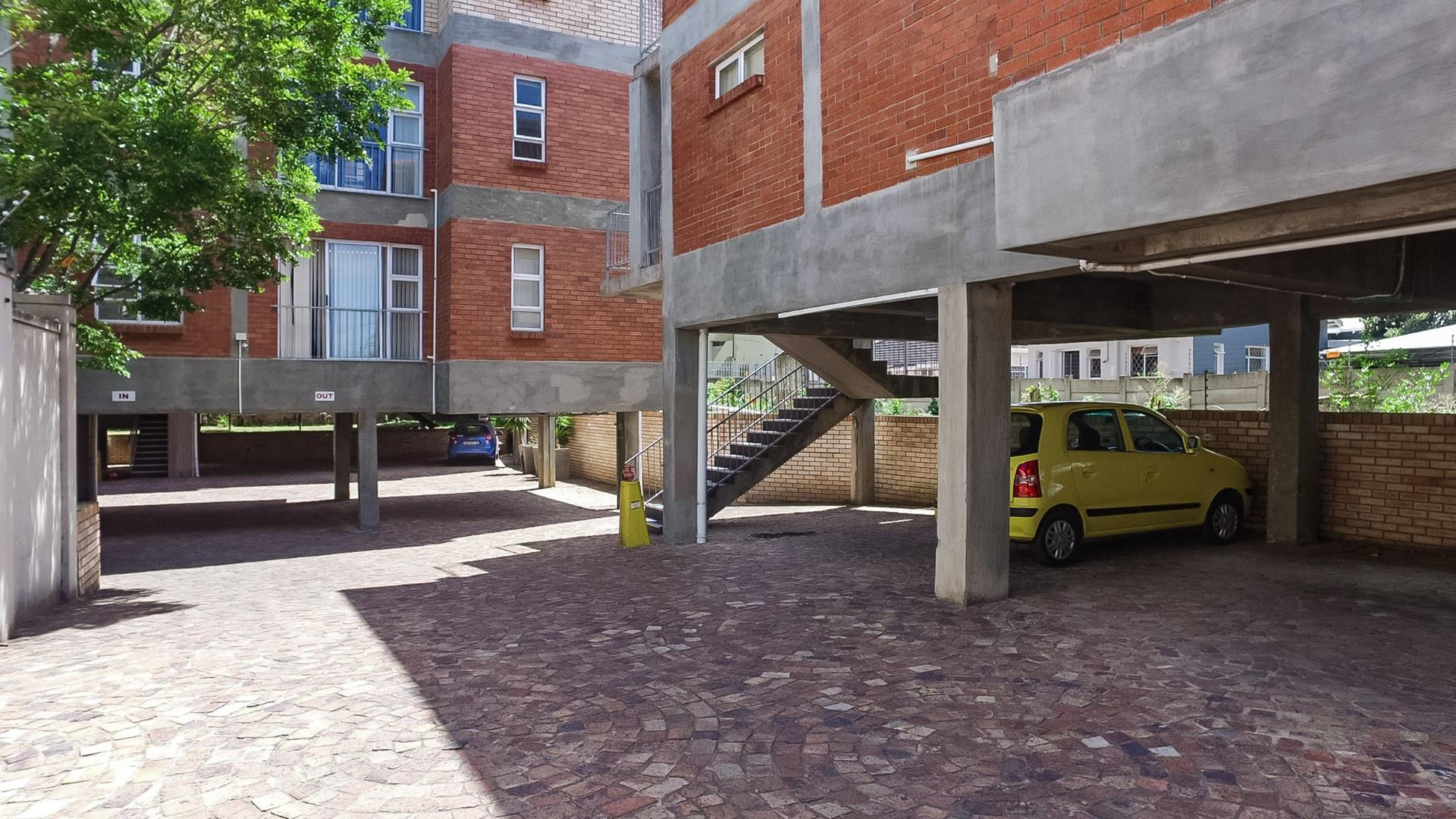 2 Bedroom Apartment / Flat For Sale in Grahamstown Central