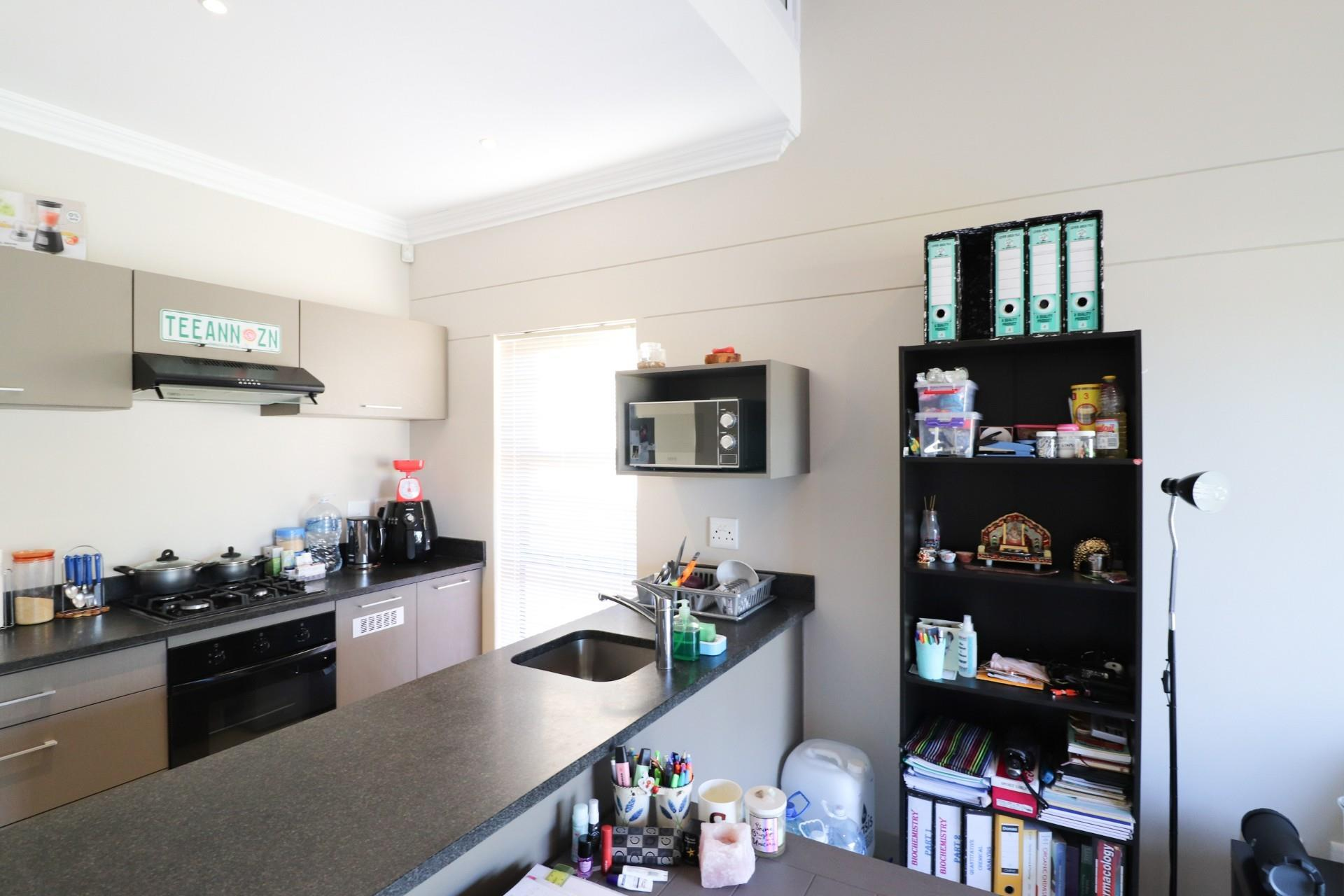 1 Bedroom Apartment / Flat For Sale in West Hill