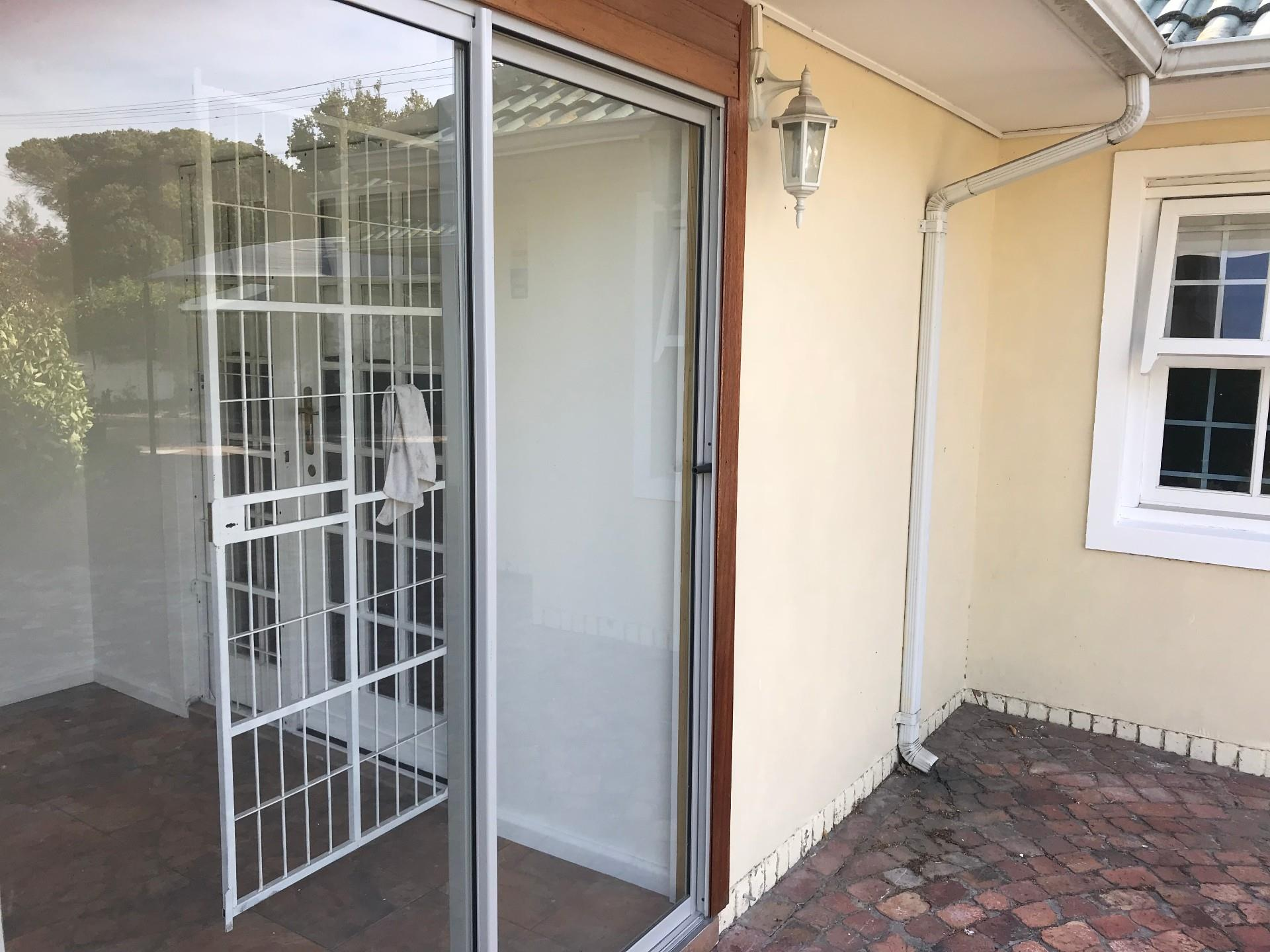 3 Bedroom Townhouse To Rent in Pinelands