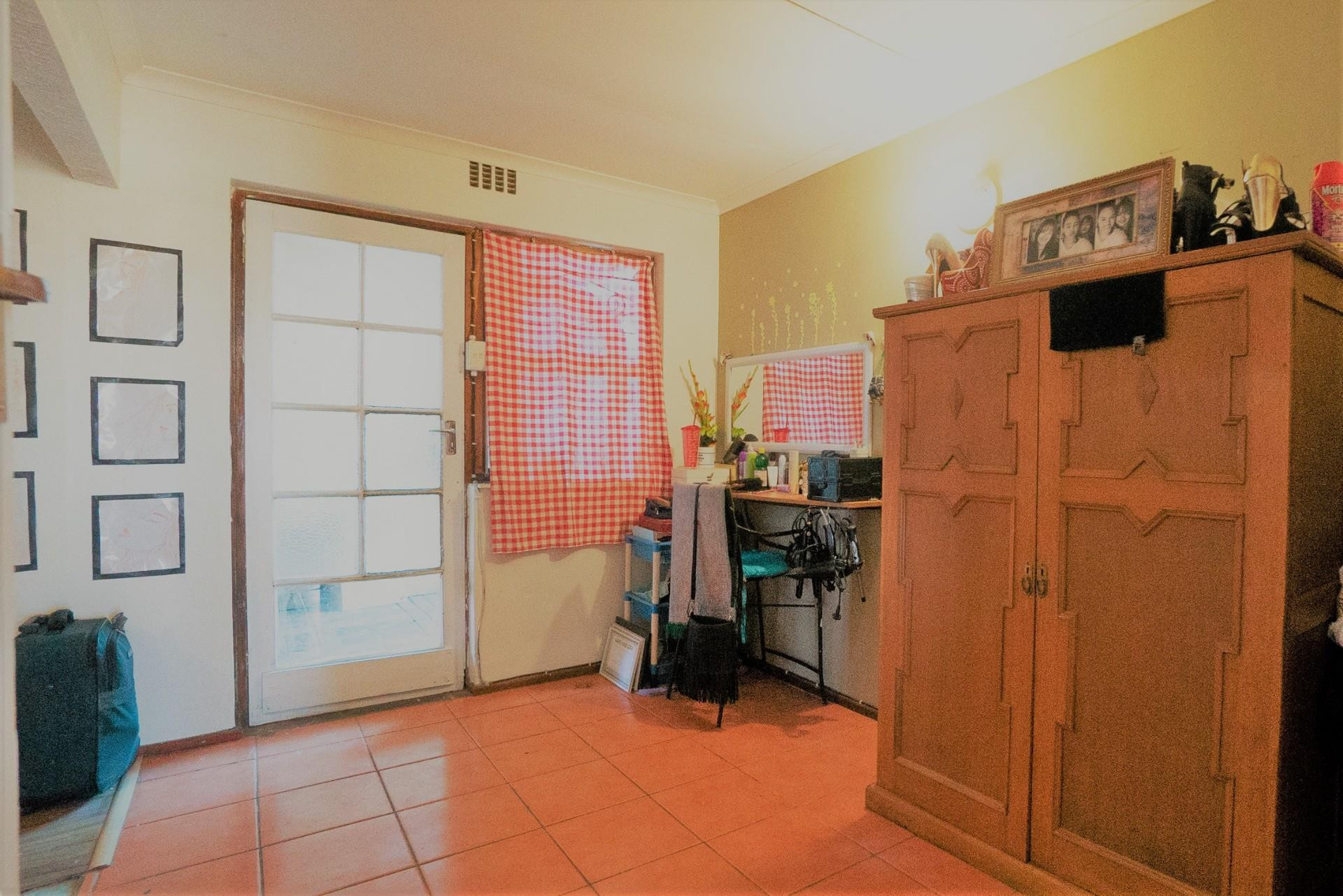 4 Bedroom House For Sale in Strandfontein