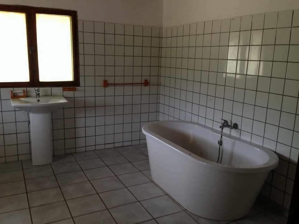 2 Bedroom House For Sale in Inhambane City Central
