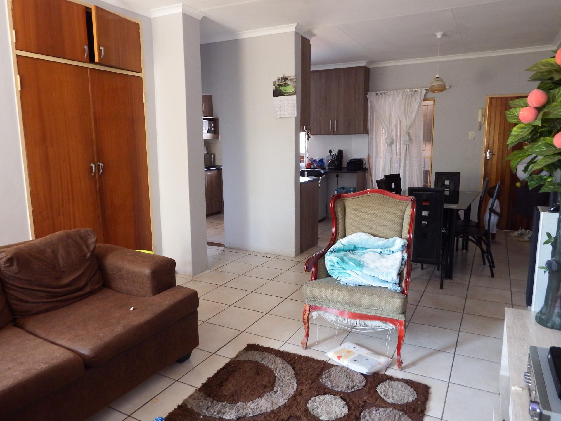 2 Bedroom Apartment / Flat For Sale in Pretoria North | RE ...