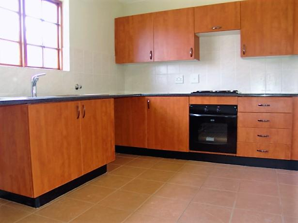 3 Bedroom Townhouse To Rent in Olympus A H