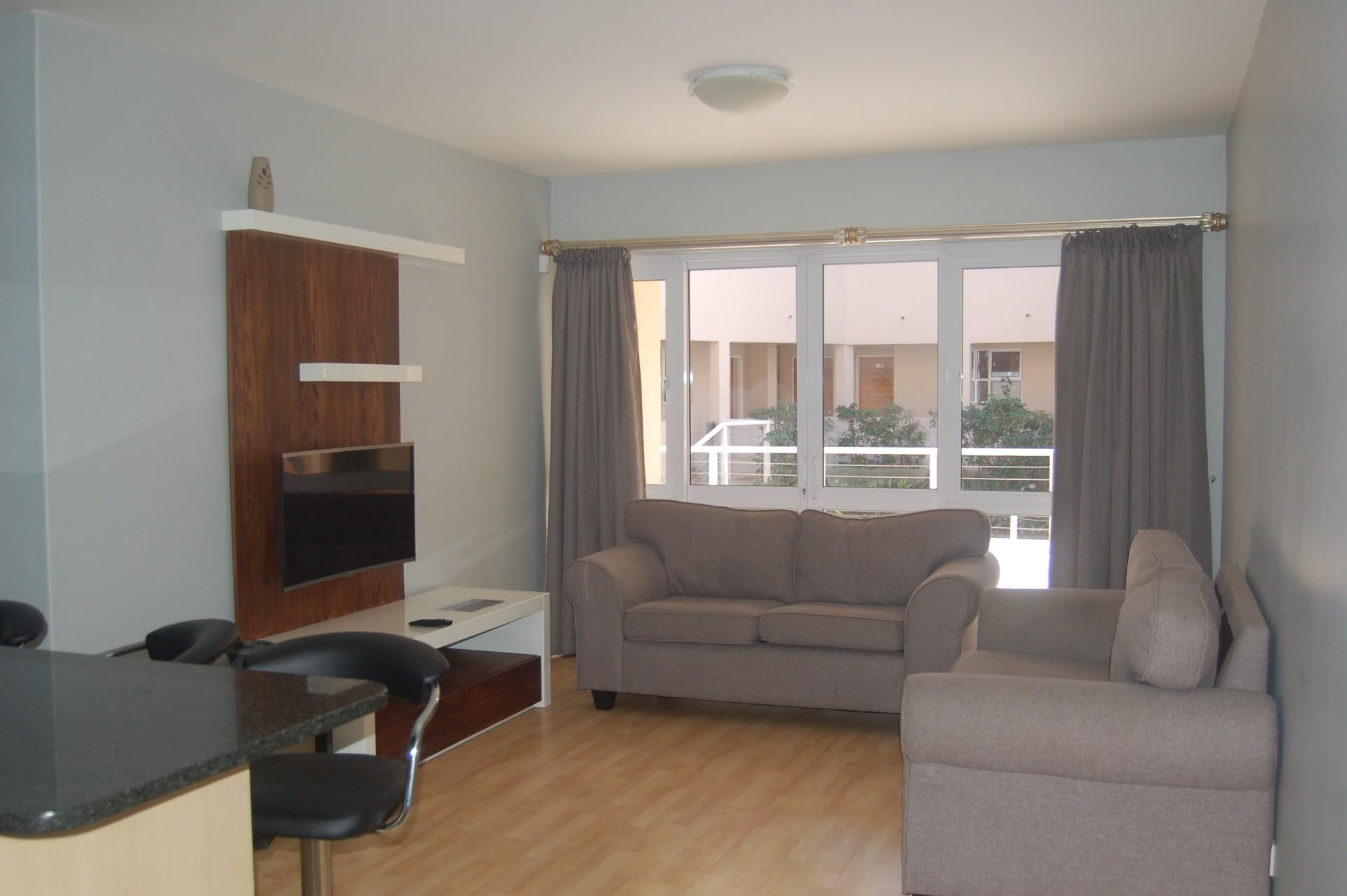 3 Bedroom Apartment For Sale in Beacon Bay North