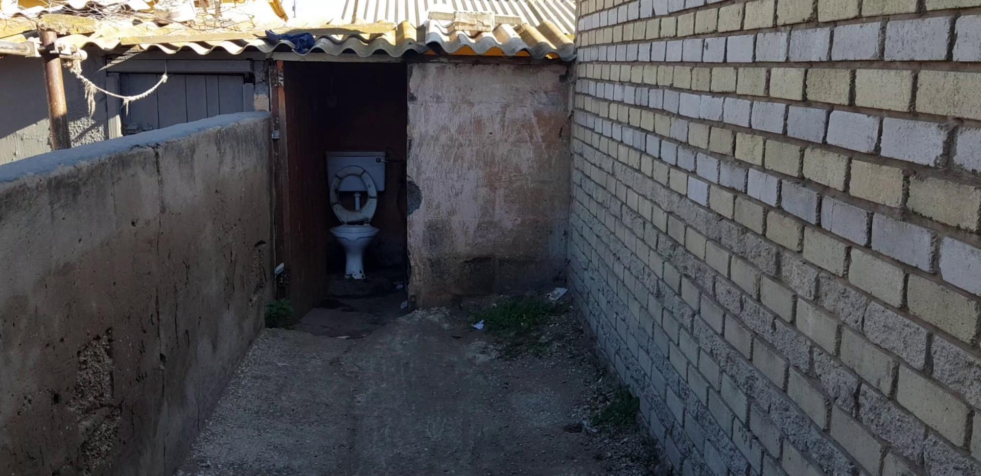 8 Bedroom House For Sale in Kwazakhele