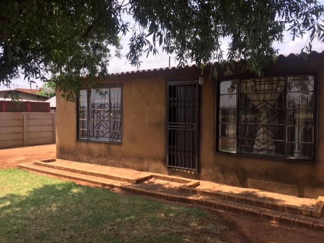 2 Bedroom House For Sale in Thokoza