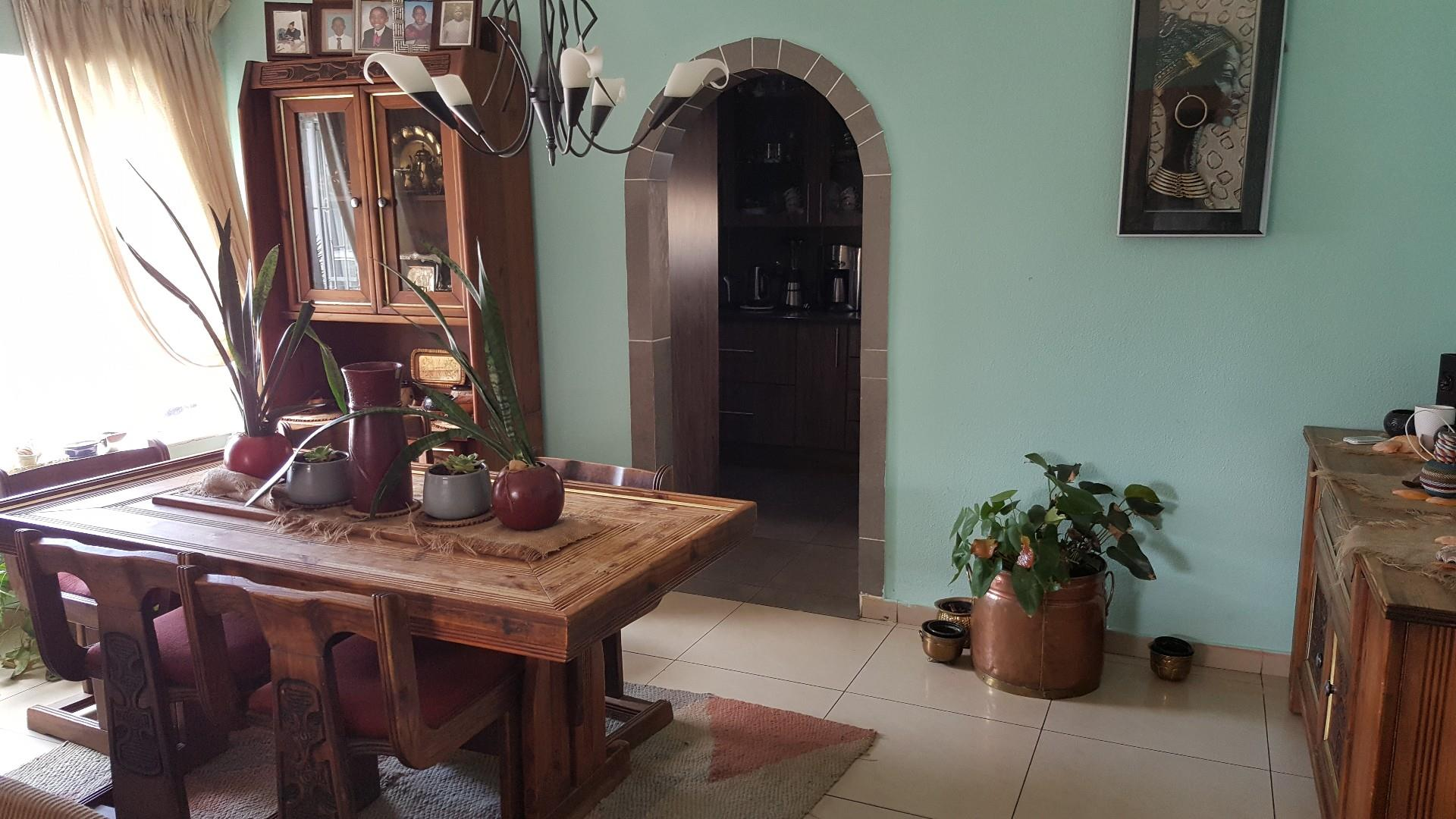 4 Bedroom House For Sale in Spruit View