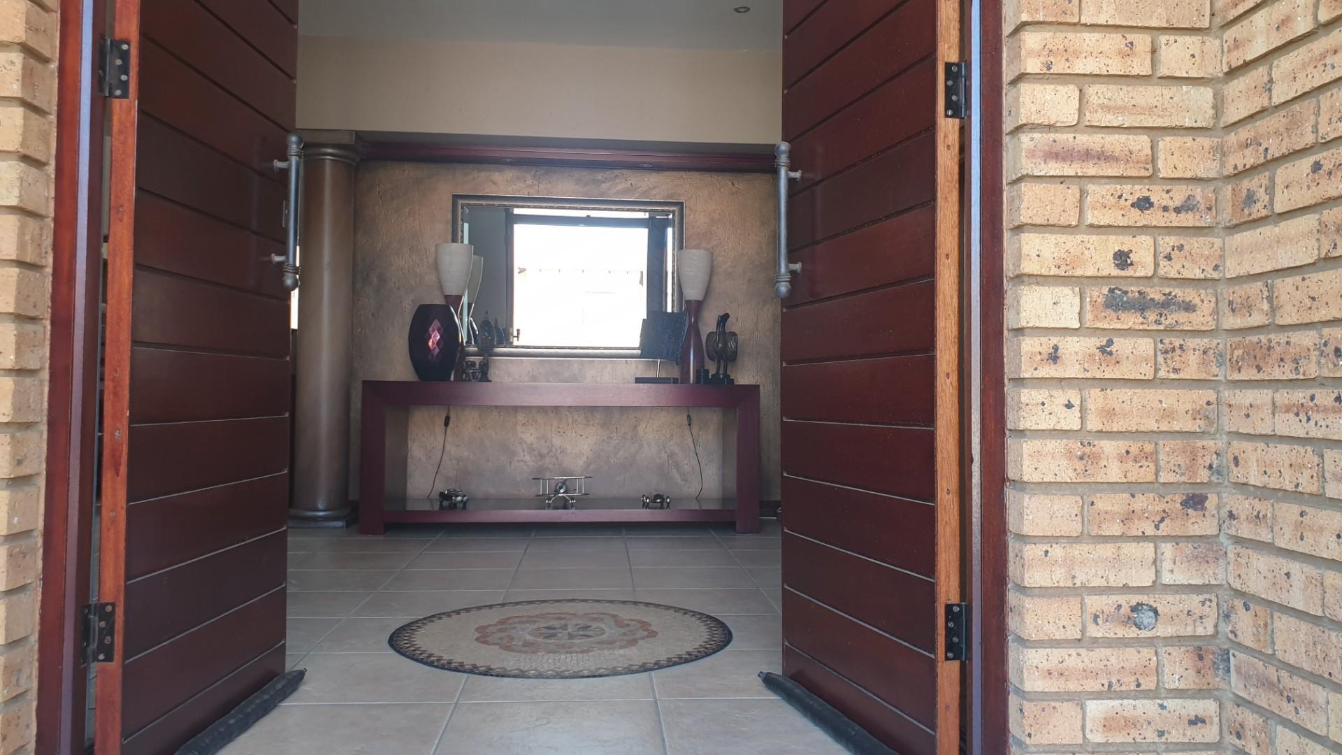 4 Bedroom House For Sale in Meyersdal