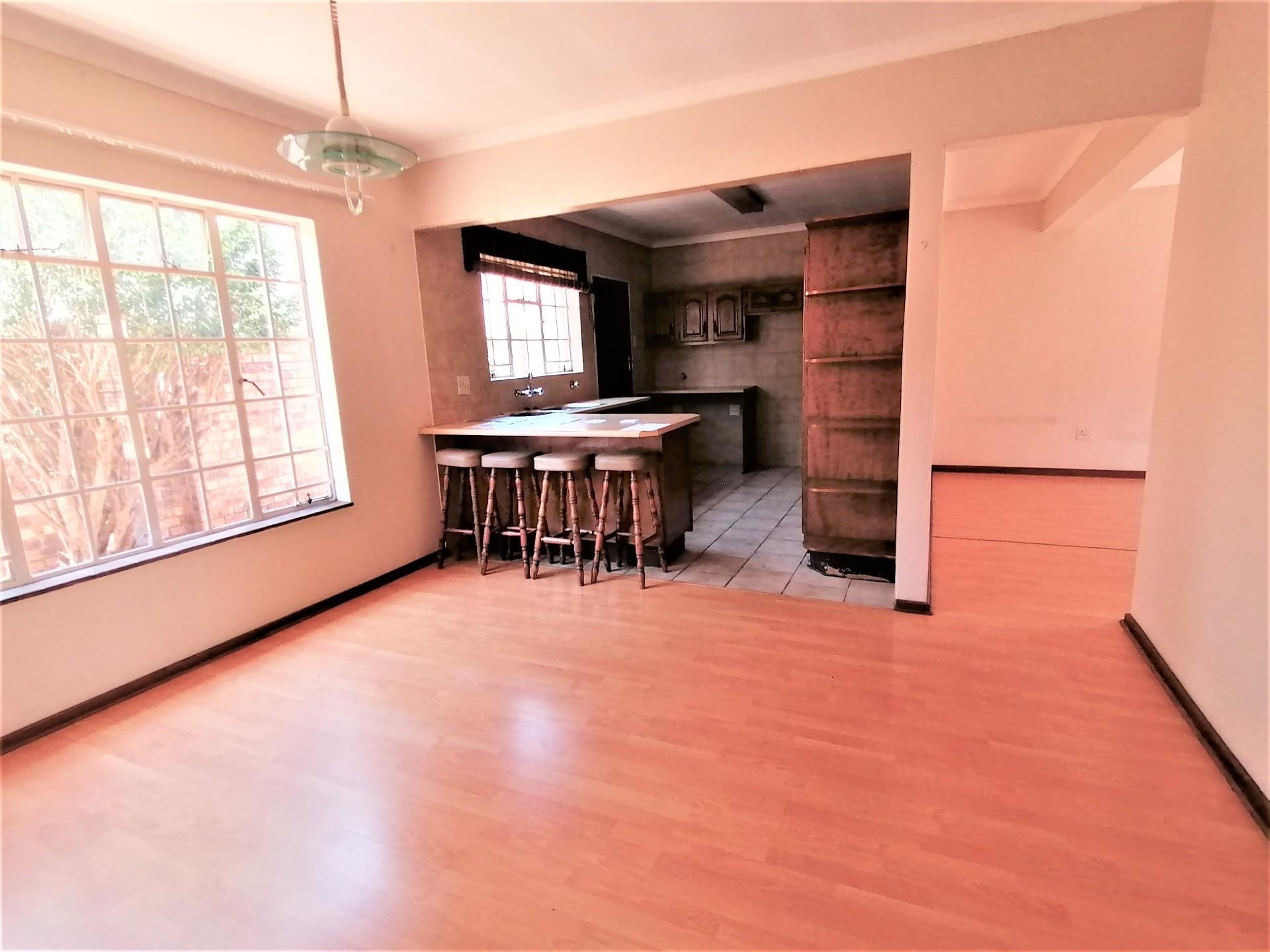 3 Bedroom Simplex For Sale in Brackendowns