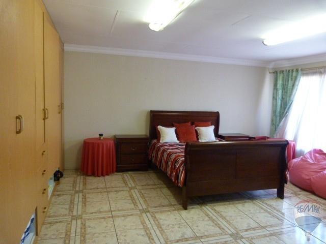 5 Bedroom House For Sale in Brackenhurst & Ext