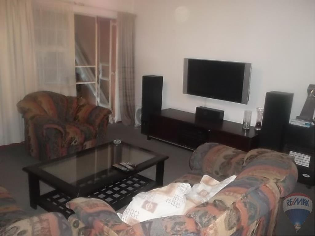 3 Bedroom Apartment For Sale in Meyersdal