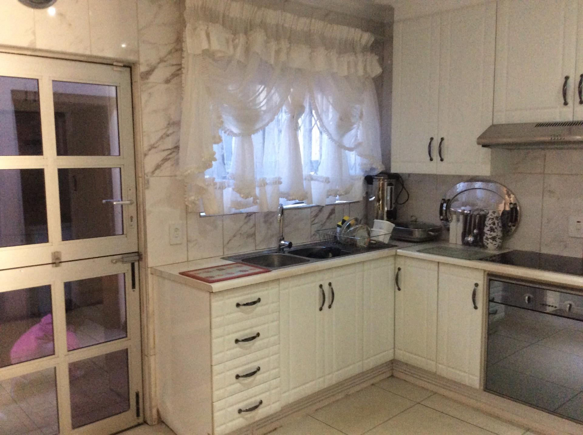 3 Bedroom House For Sale in Moleleki