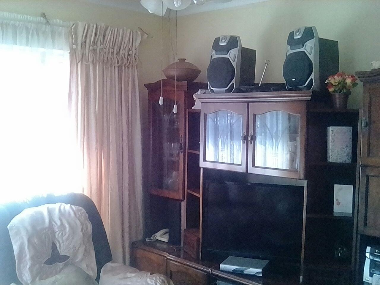 3 Bedroom House For Sale in Likole