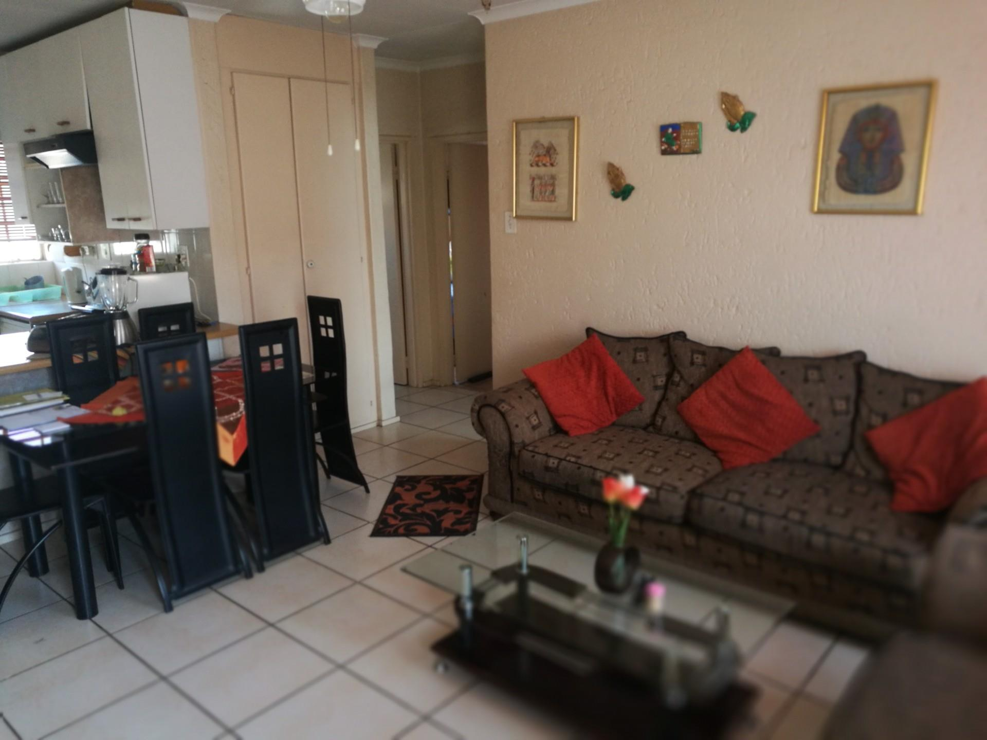 2 Bedroom Townhouse For Sale in Rewlatch