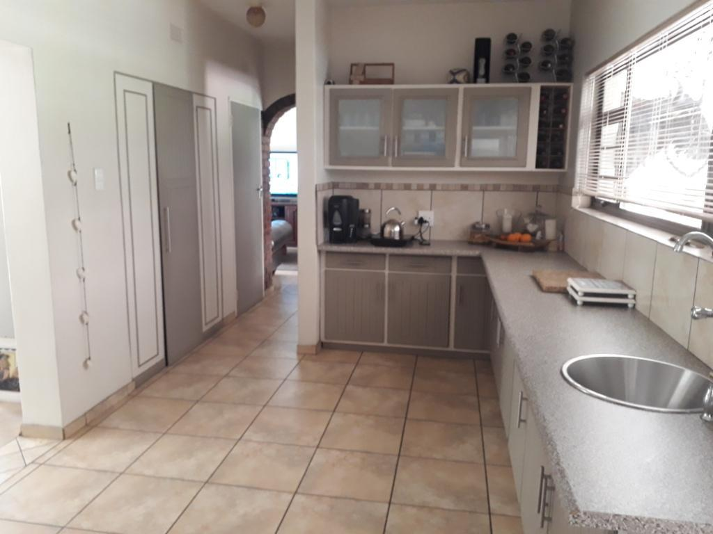 4 Bedroom House For Sale in Hillcrest