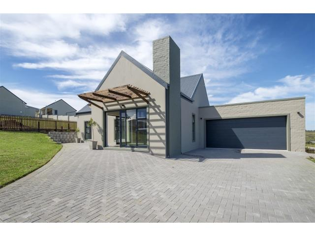 3 Bedroom House For Sale In Blue Mountain Village For Zar 1 850 000