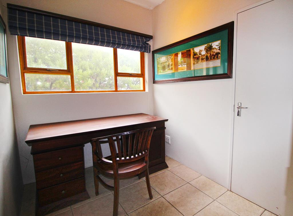 4 Bedroom House For Sale in Pringle Bay