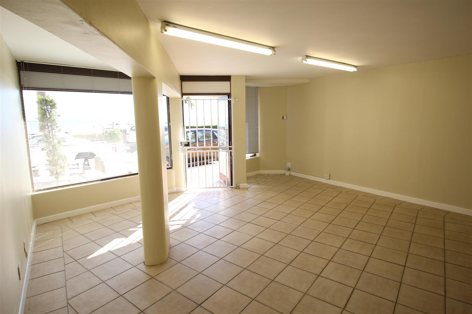 Commercial Property in Gordons Bay Central To Rent