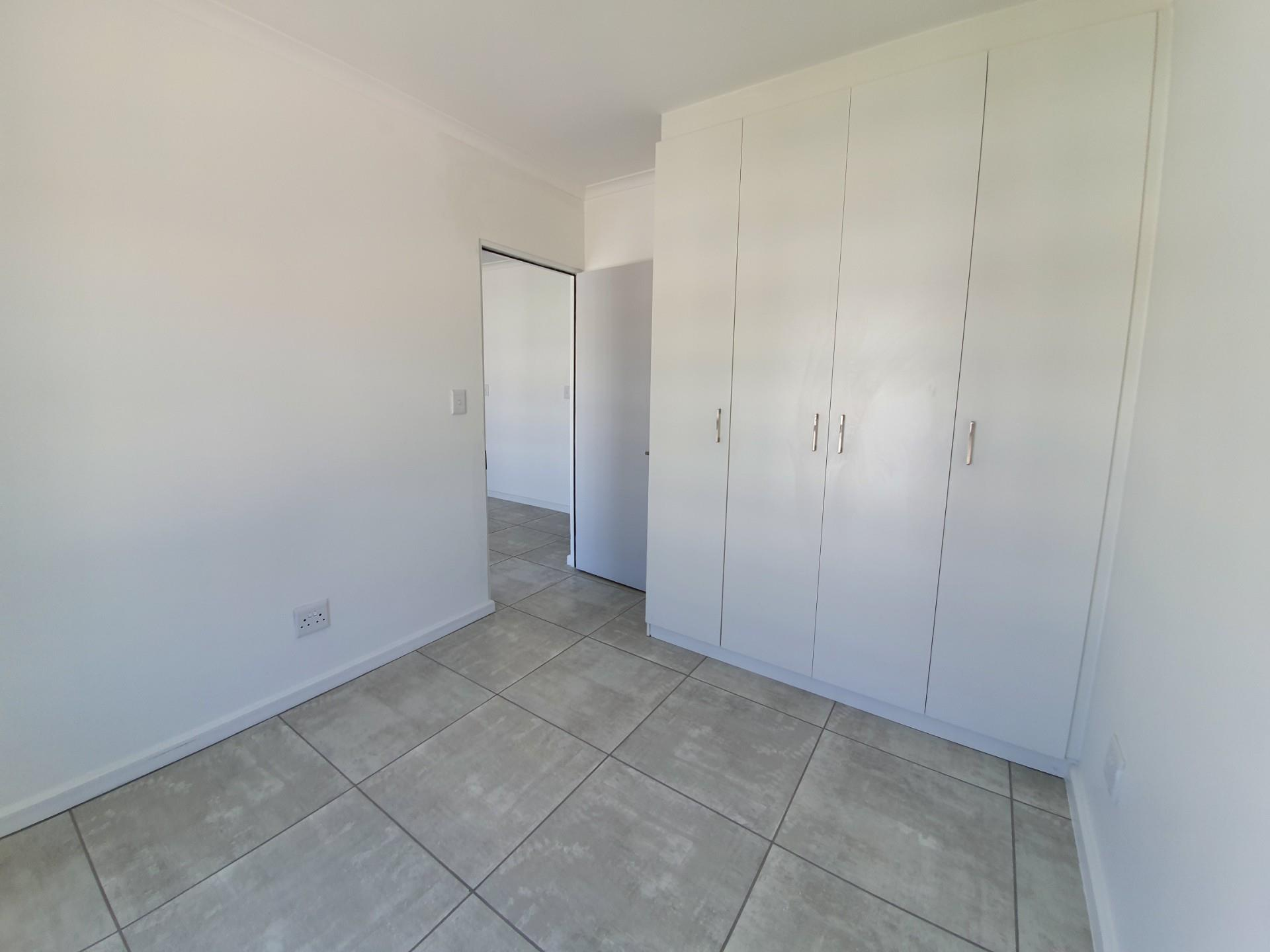 2 Bedroom Apartment / Flat To Rent in Aan de Wijnlanden