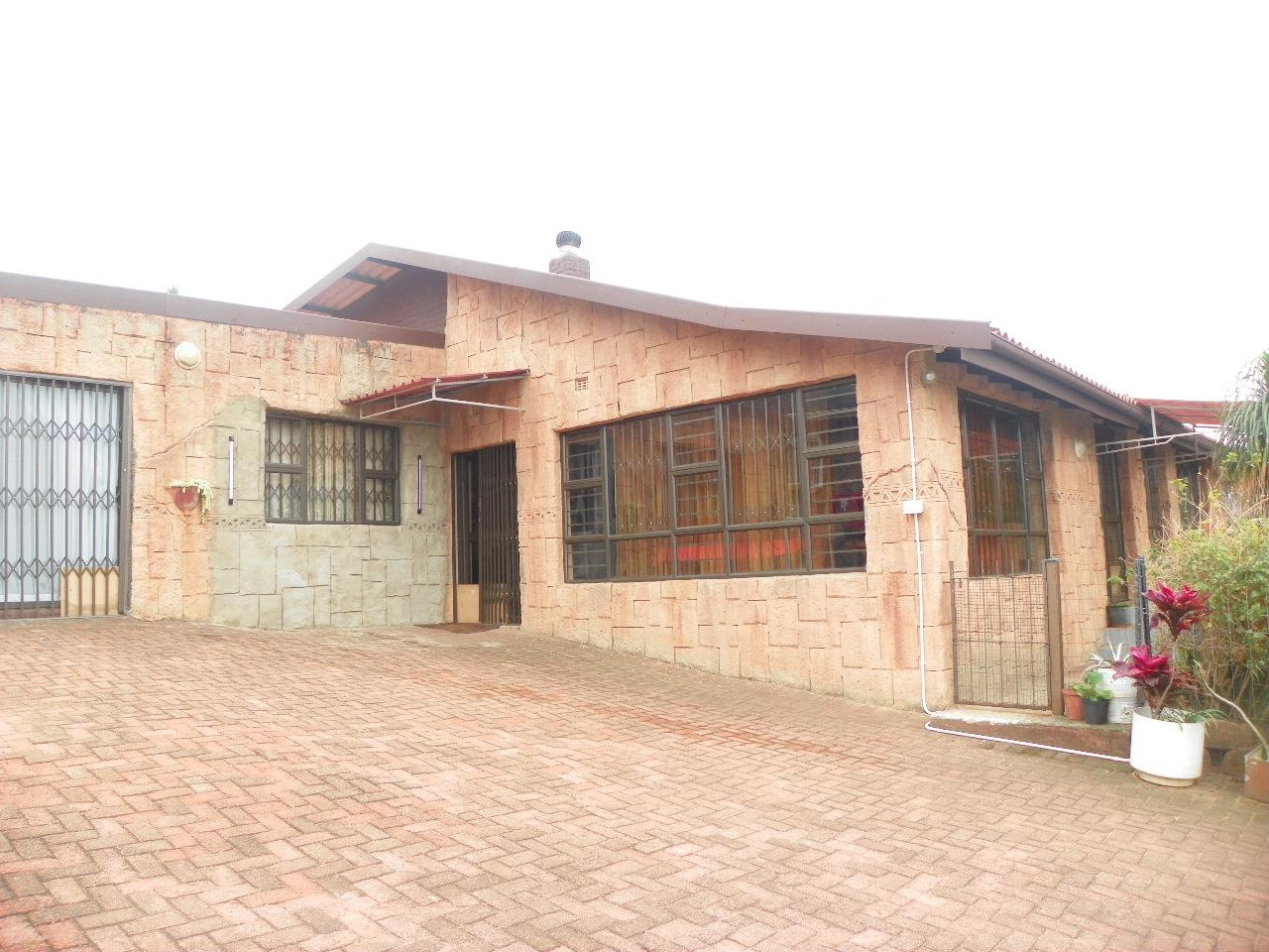 6 bedroom House in Mtwalume | RE/MAX