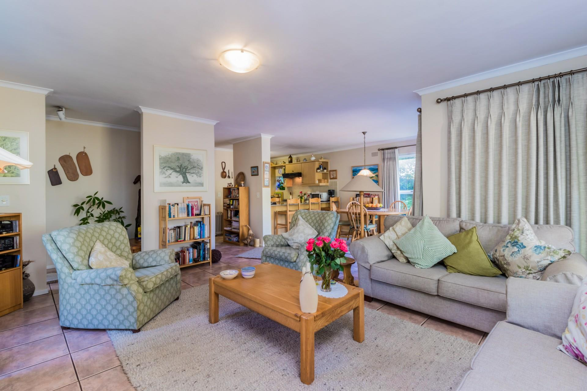 3 Bedroom House For Sale in Hout Bay Central