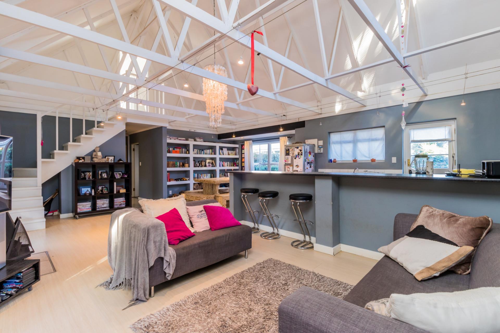 4 Bedroom House For Sale in Scott Estate