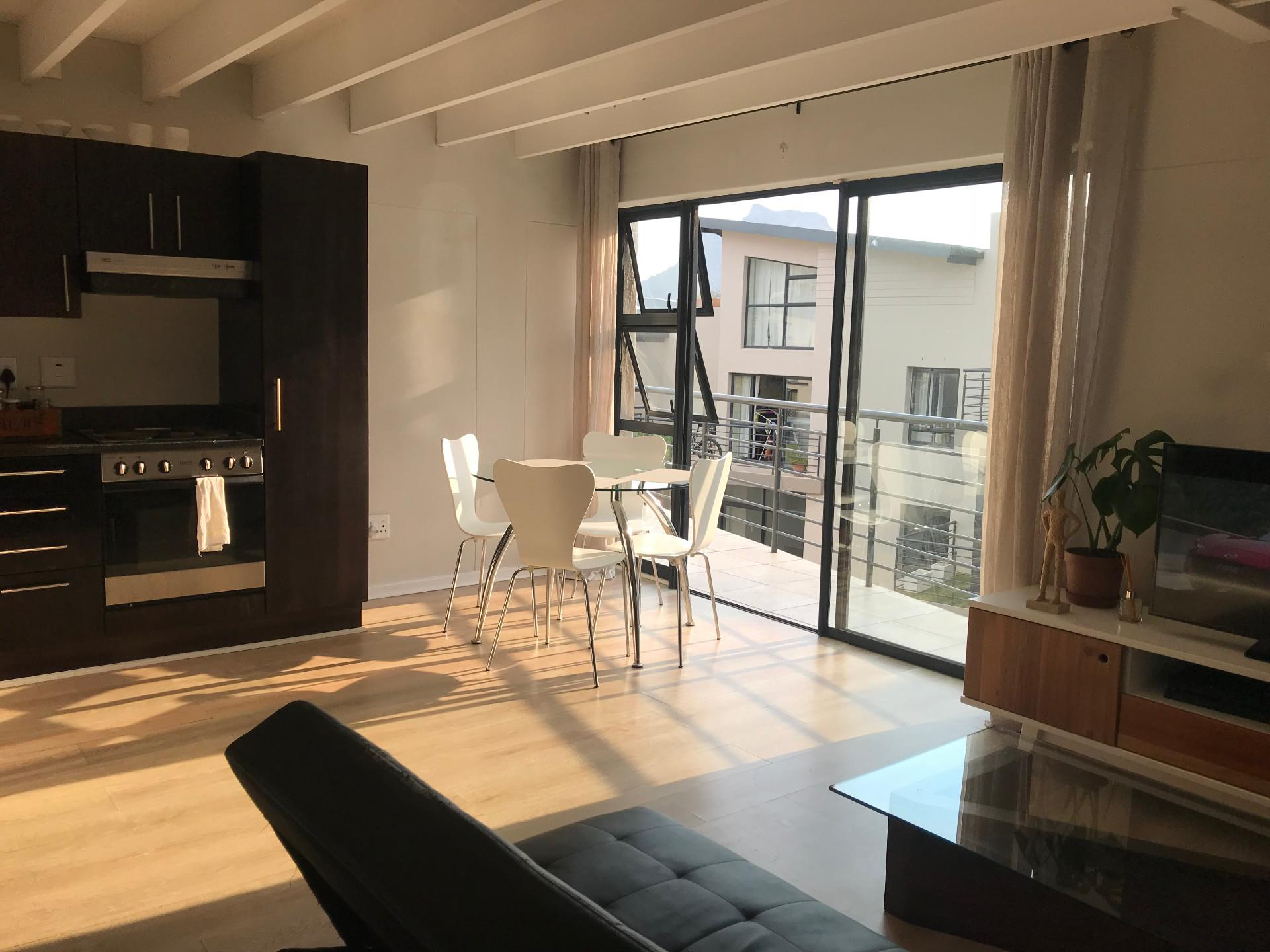 2 Bedroom Apartment For Sale in Beach Estate
