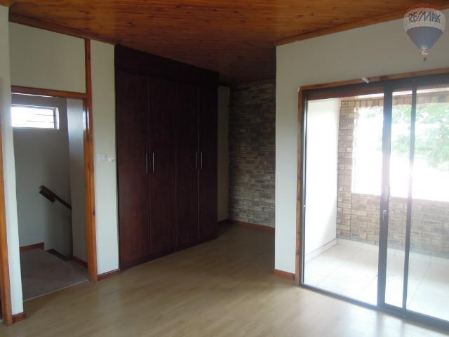 5 Bedroom House For Sale in Broadhurst