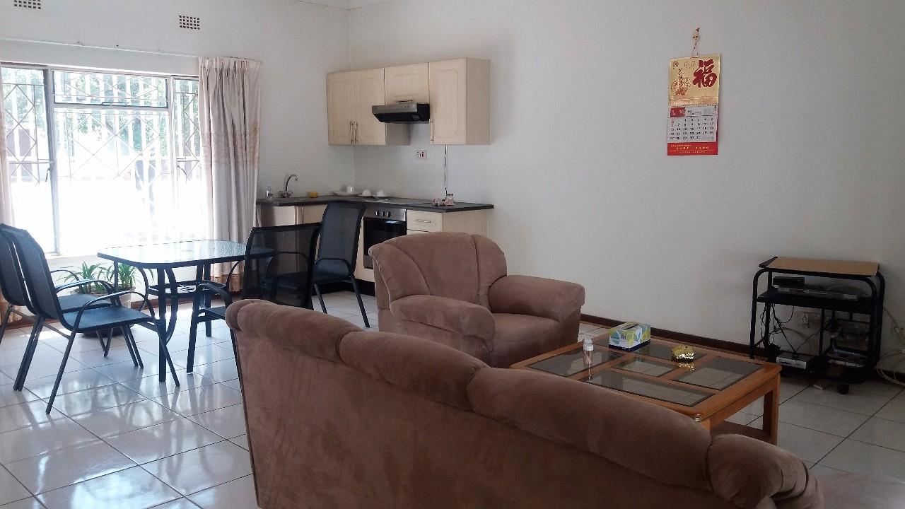 9 Bedroom House To Rent in Mogoditshane Central