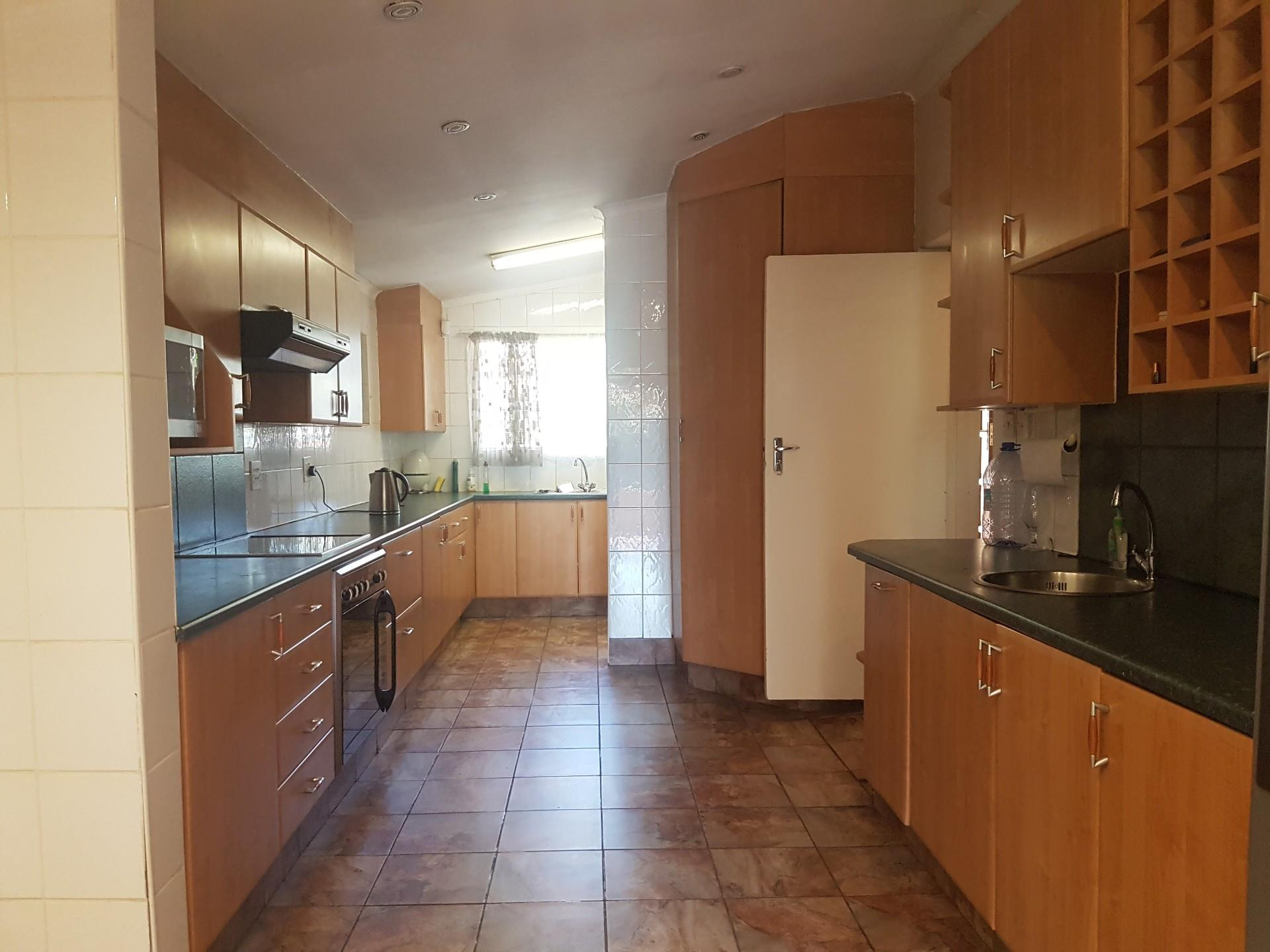 4 Bedroom House For Sale in Broadhurst