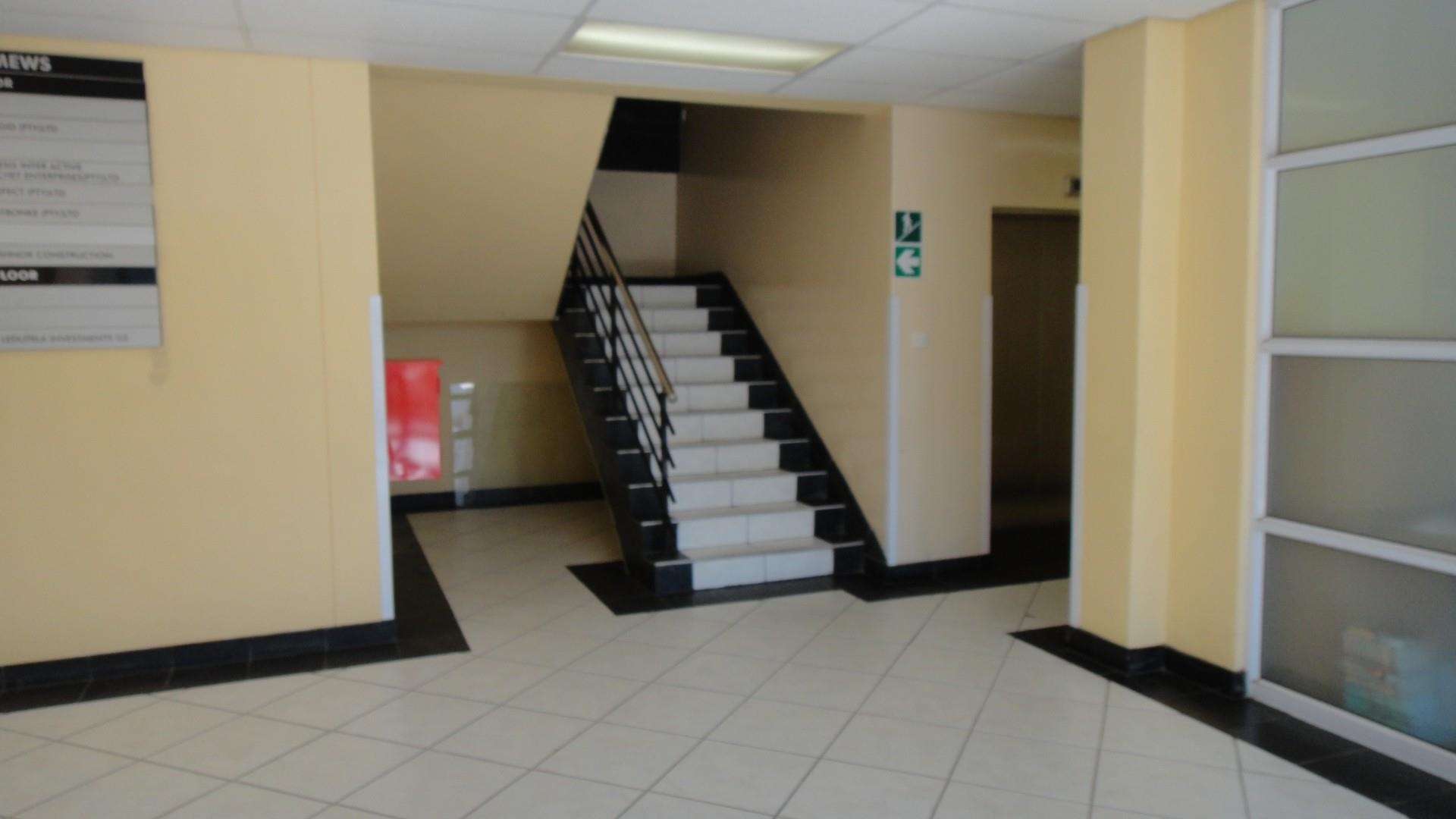 Commercial Property in Fairgrounds To Rent