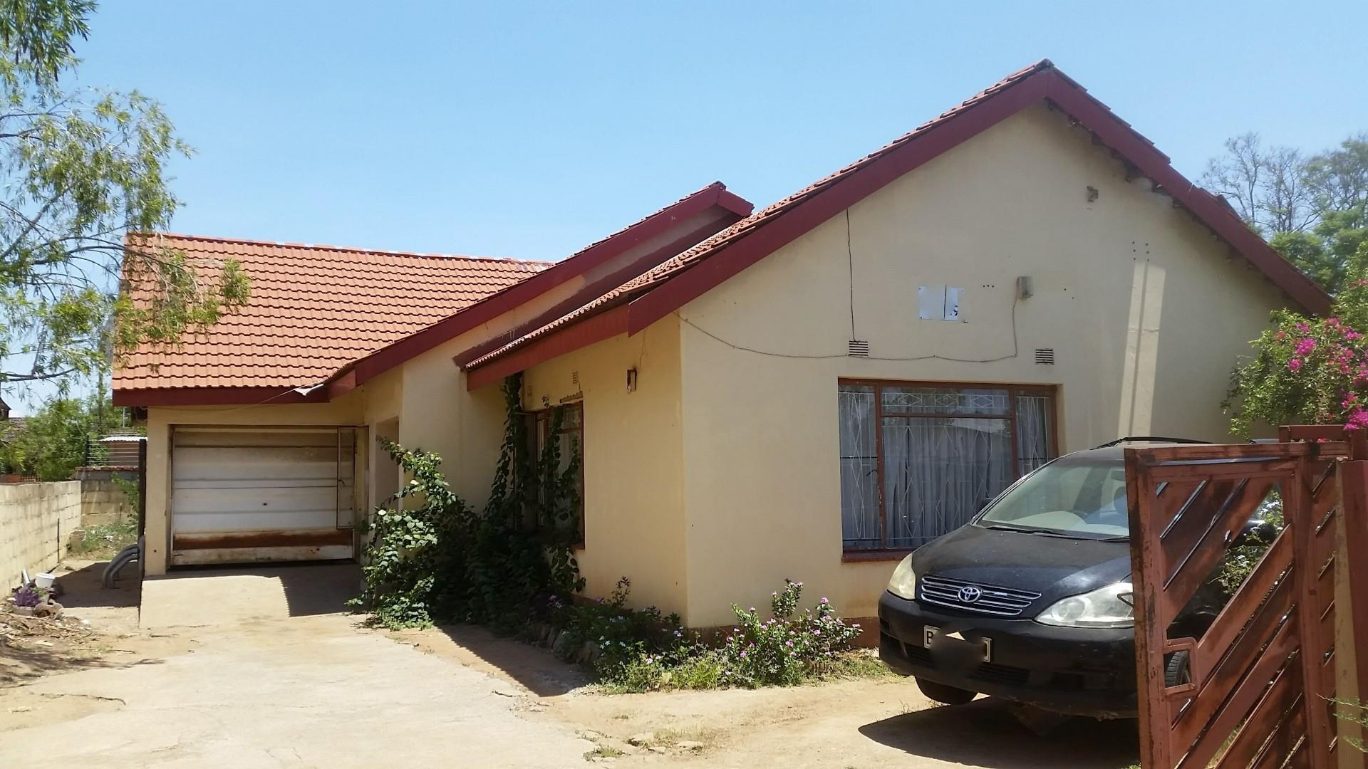 3 Bedroom House For Sale in Broadhurst