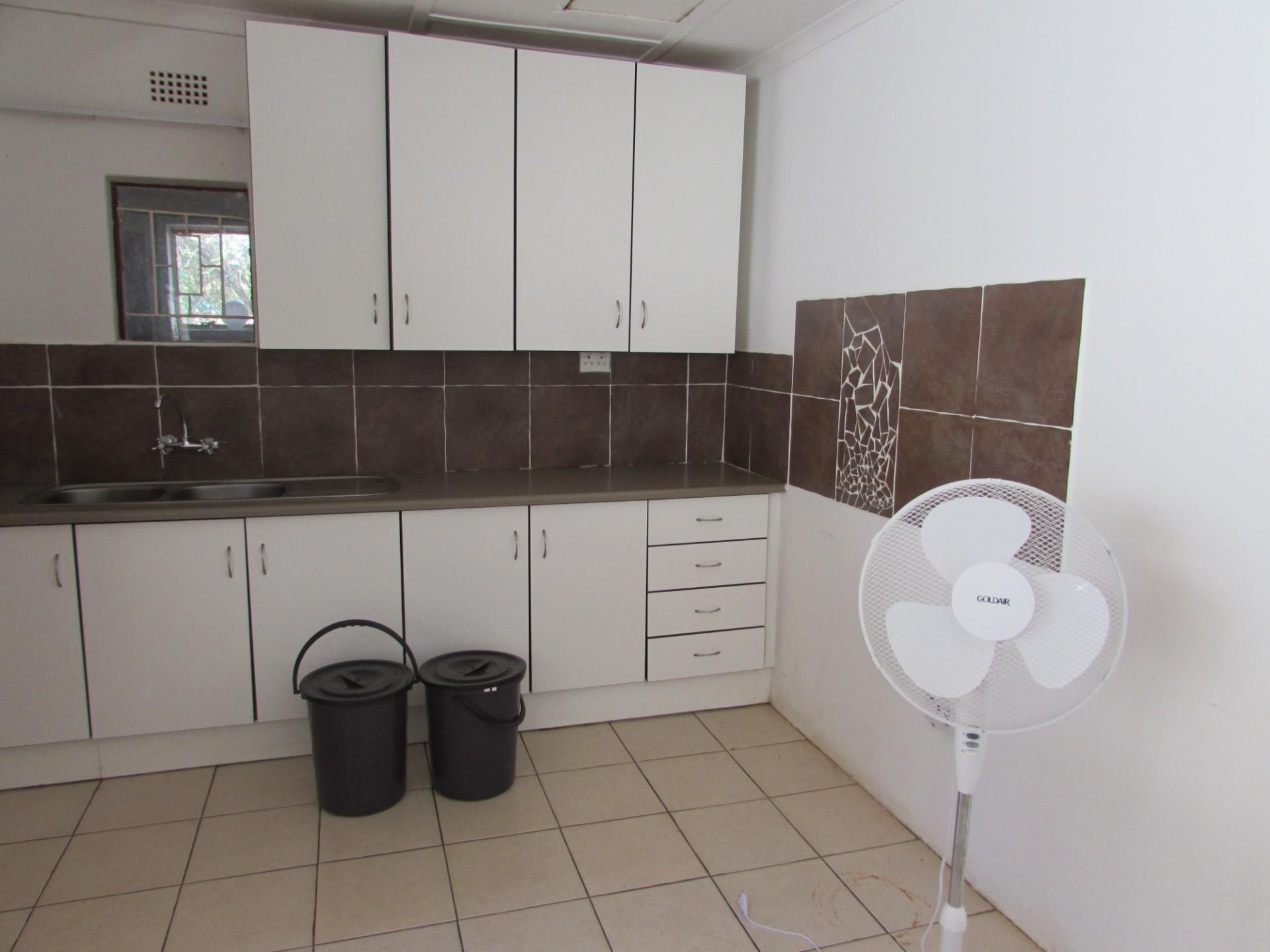 5 Bedroom House To Rent in Tlokweng Central