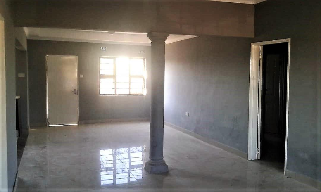 3 Bedroom House For Sale in Oodi Central