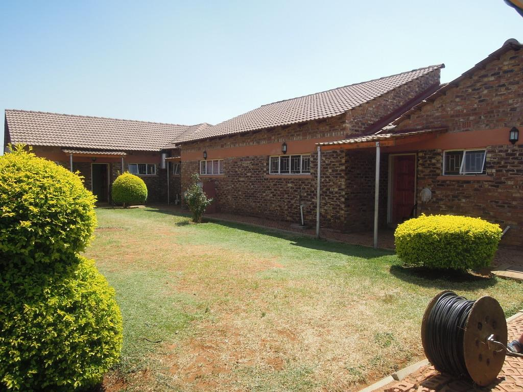 2 Bedroom Apartment For Sale in Tlokweng Central