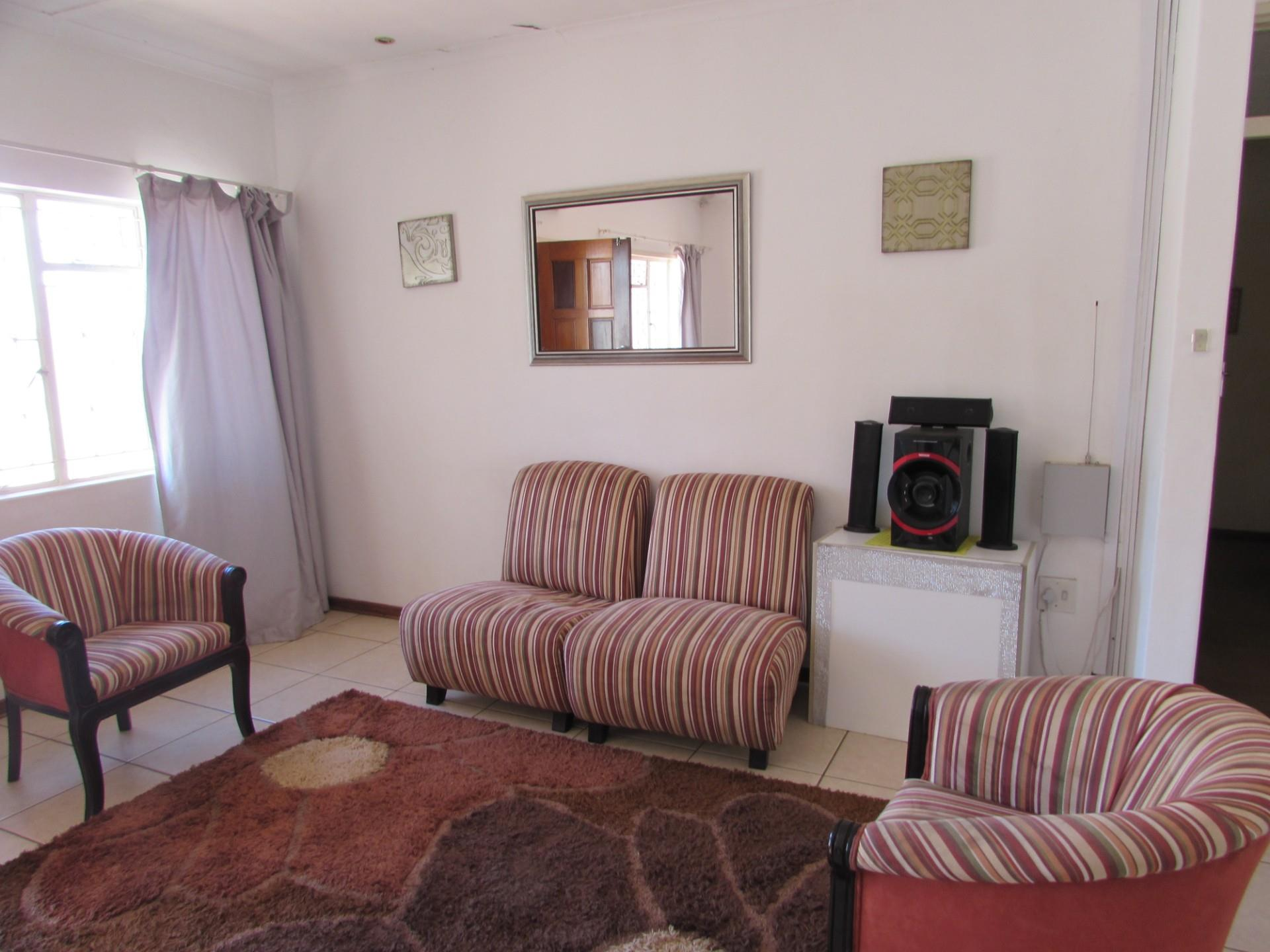 3 Bedroom House For Sale in Maruapula