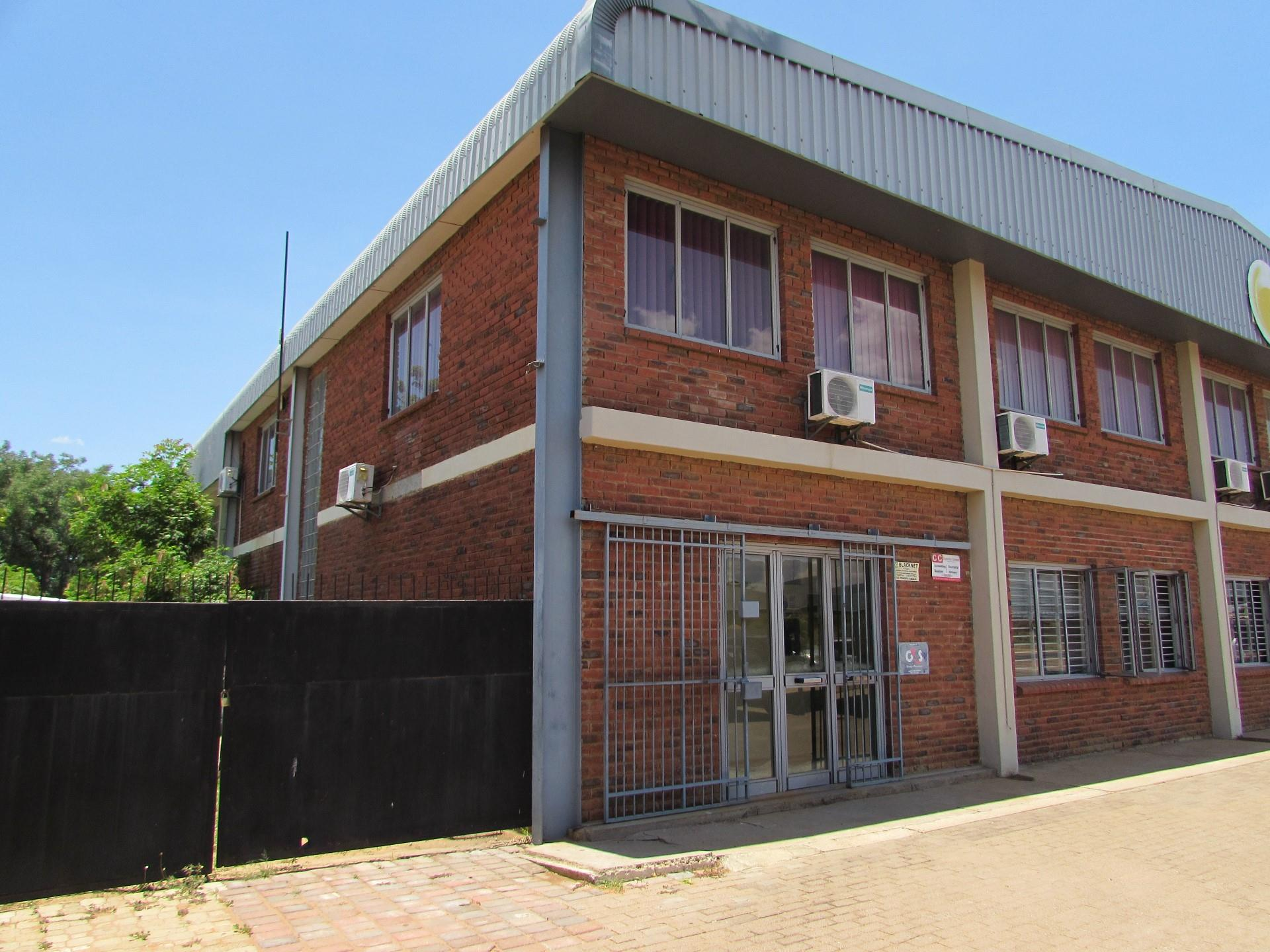 Commercial Property in Broadhurst To Rent
