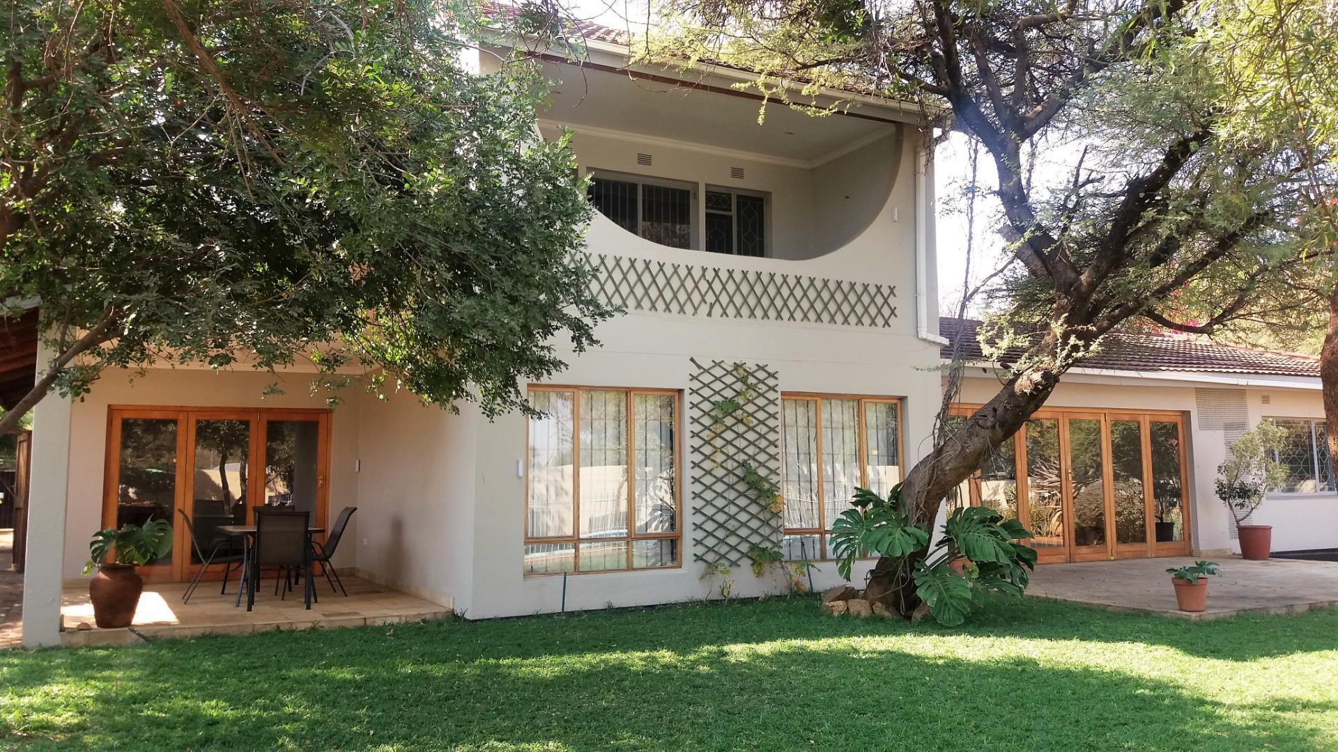 4 Bedroom House For Sale in Broadhurst