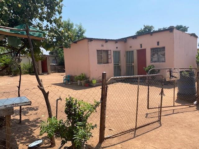 3 Bedroom House For Sale in Old Naledi