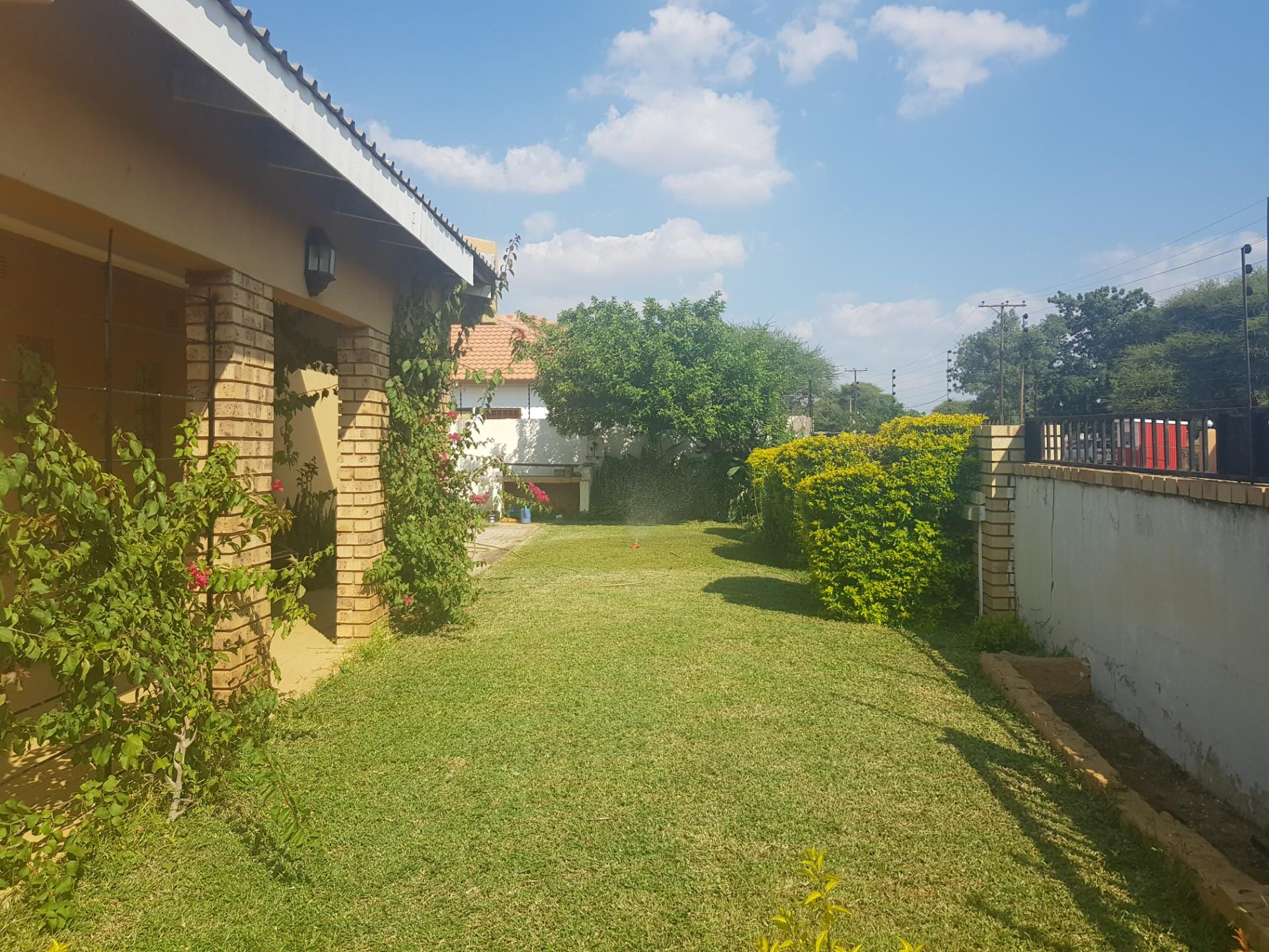 3 Bedroom House For Sale in Mmopane Central