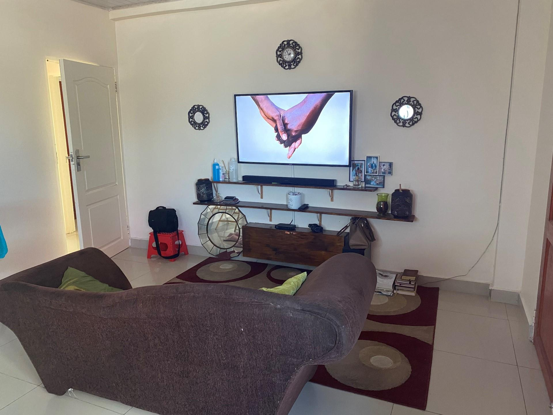 2 Bedroom Apartment / Flat To Rent in Broadhurst