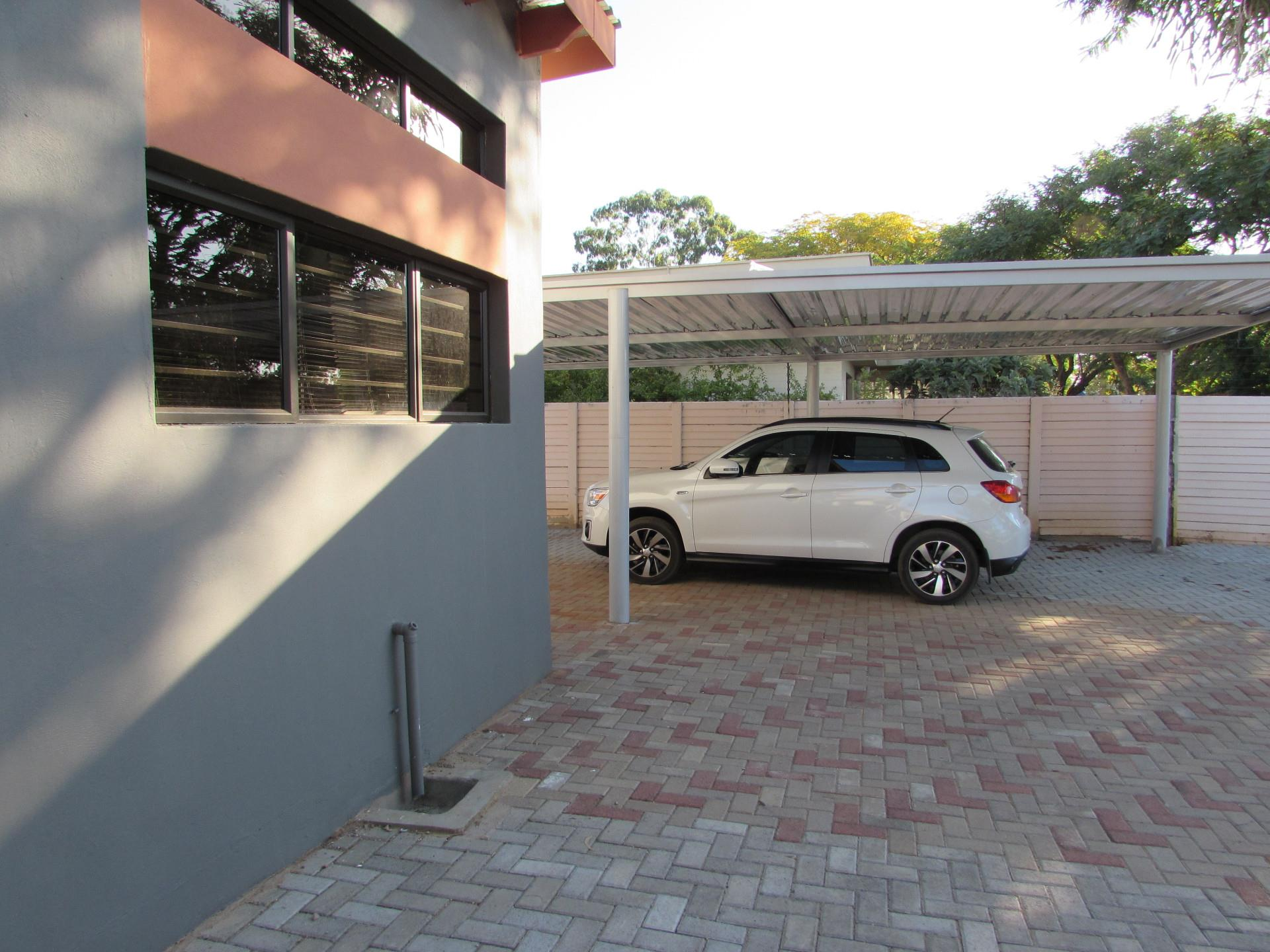 3 Bedroom House To Rent in Extension 11