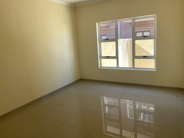 4 Bedroom House For Sale in Tsholofelo