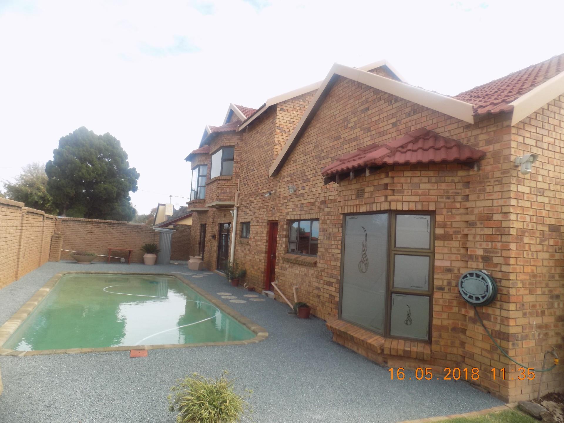 5 Bedroom House In Ridgeway Re Max