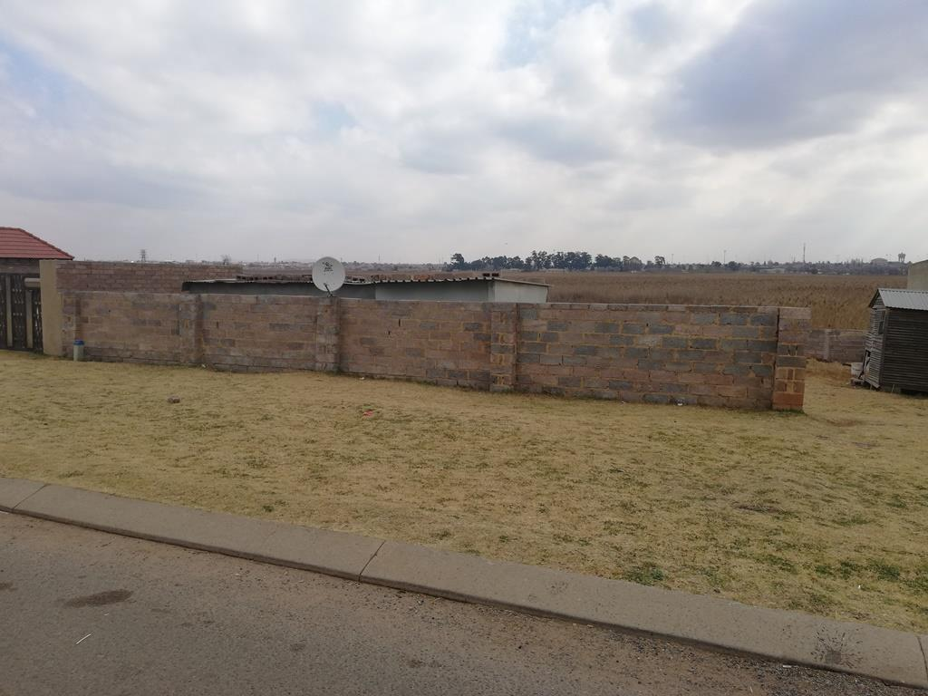 Land in Spruit View For Sale