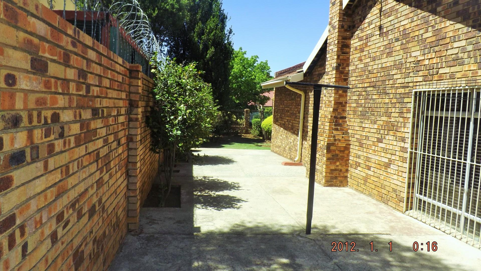 3 Bedroom House For Sale in Mayfield Park