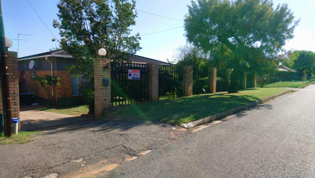 3 Bedroom House For Sale in Fishers Hill