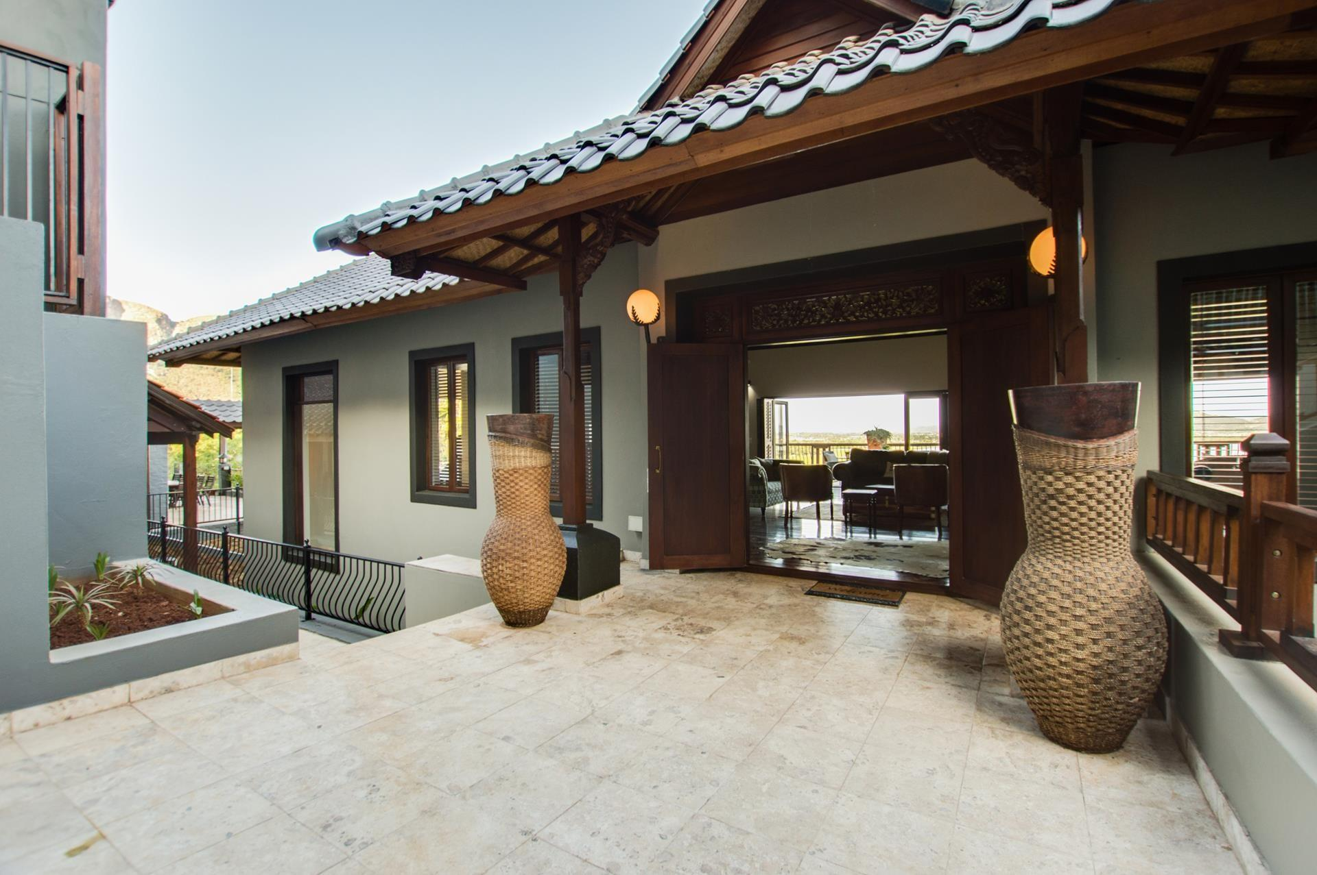 5 Bedroom House For Sale in Kosmos