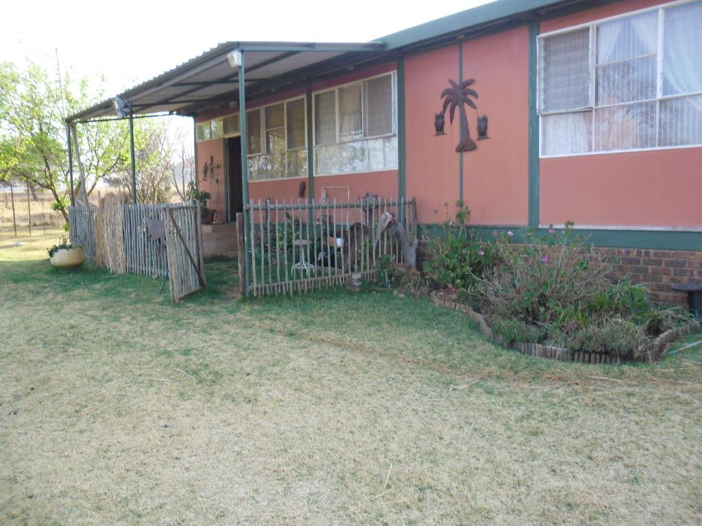 storage for small bedrooms 3 bedroom house to rent in lydenburg for zar 5 500 re max 17423