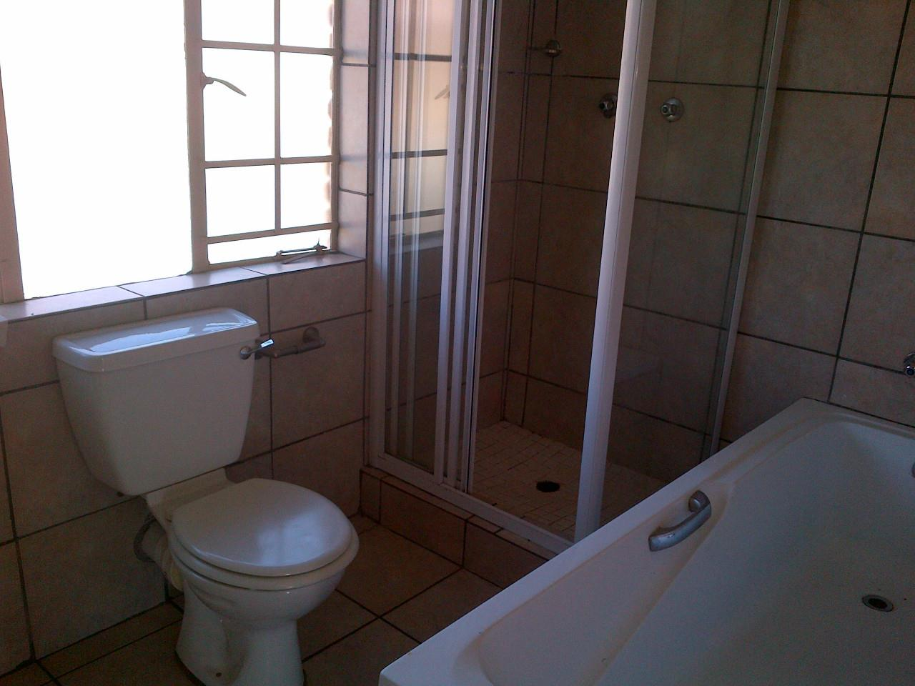 2 Bedroom Apartment For Sale in Lydenburg